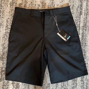 Men Nike golf Dri-fit shorts size 32